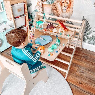 Junior Desk stimulating imagination