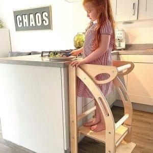 Foldable kitchen helper in situ
